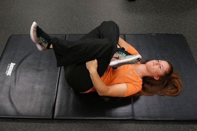 piriformis stretch example to avoid back injury